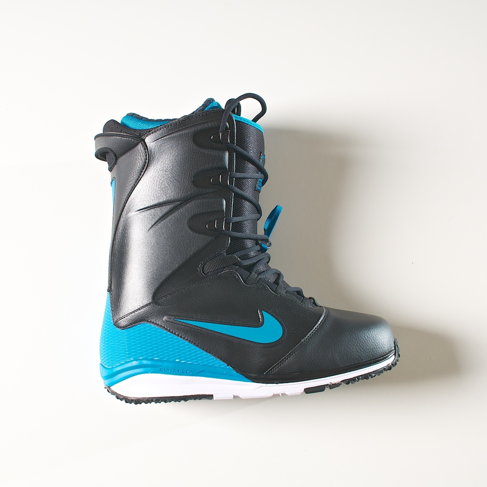 Nike Snowboarding Lunarendors snowboard boots. Photo by Joe Horvath of Wisconsin