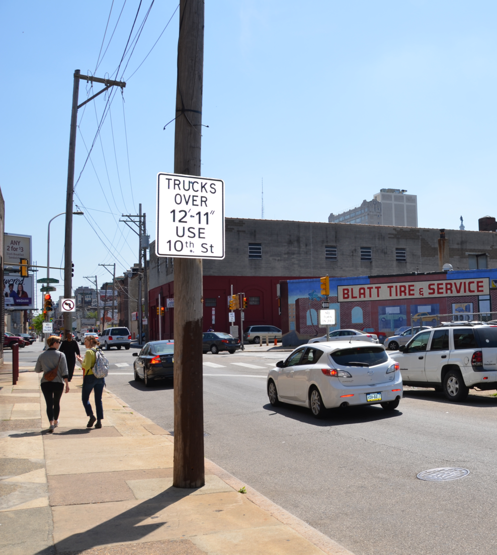 New clearance signage on 10th Street north of Callowhill.