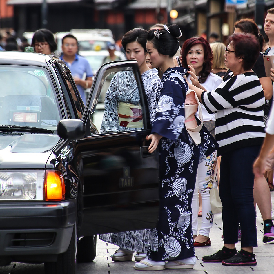 geisha car.png