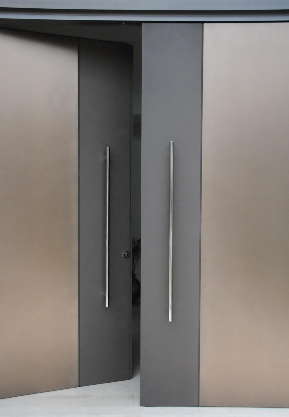 Lin Doors.JPG