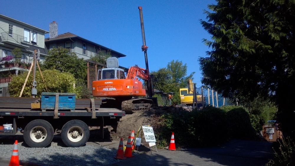 Pin piles being set, 09/10/2013.