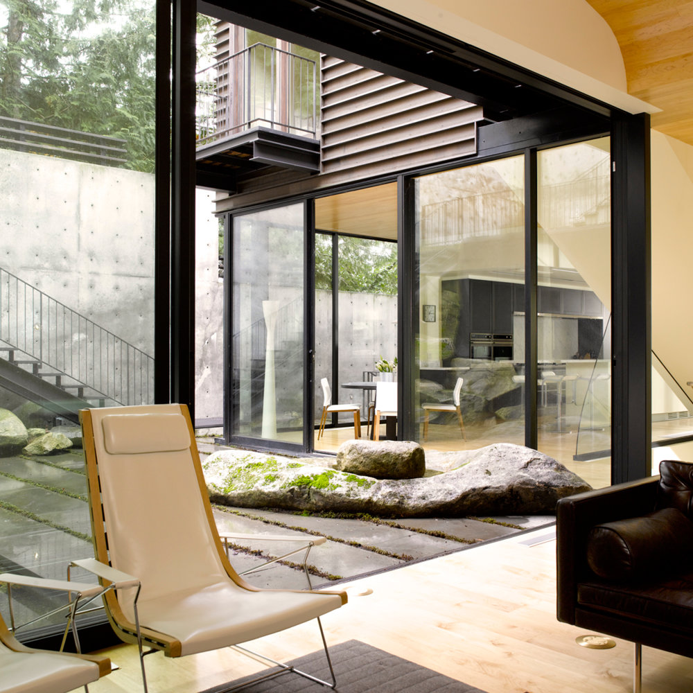 Website Images Slides_courtyard steep site interior.jpg