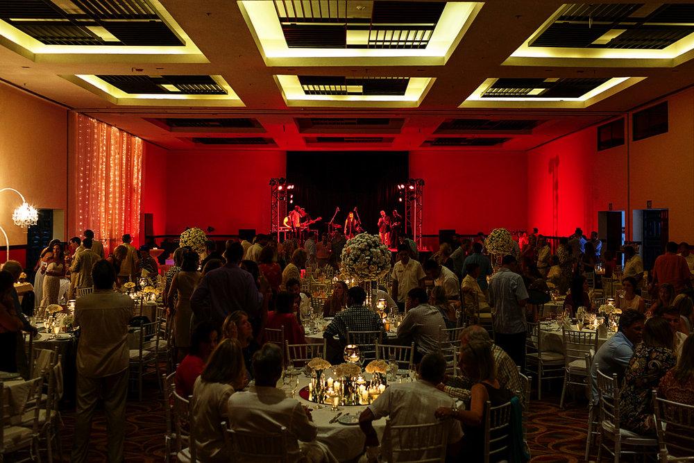 Wedding reception at Hyatt Ziva resort - Eder Acevedo cancun los cabos vallarta wedding photographer