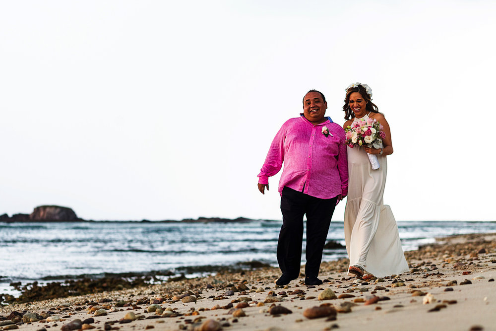 st-regis-punta-mita-wedding-couple