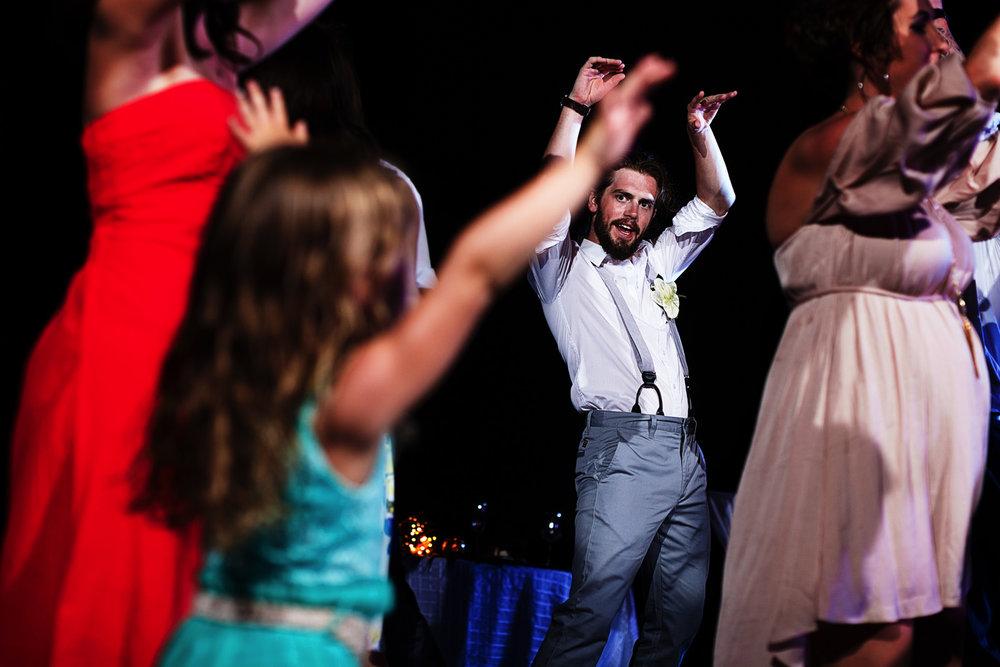 groom-dance-little-girl