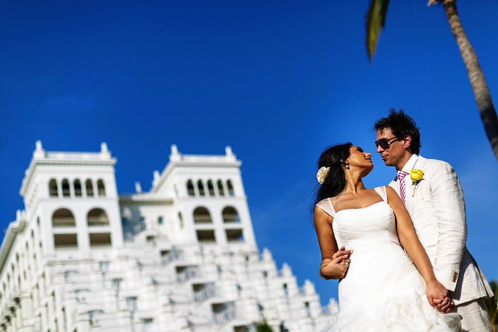 rib-palace-wedding-groom-bride
