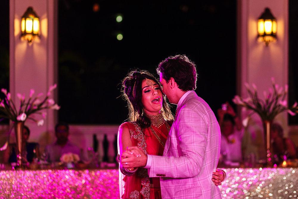 bride-sings-first-dance