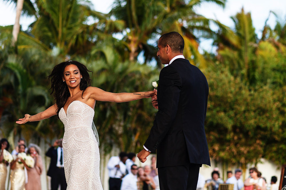 first-dance-open-arms-bride-groom