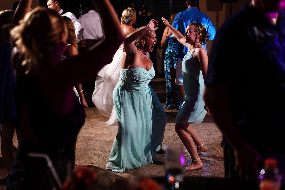 Bridesmaids dancing their butt's off