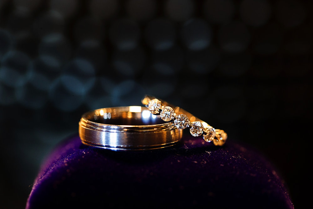 wedding-rings-detail-diamonds-gold.jpg