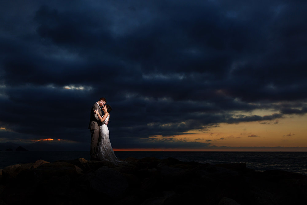 sunset-pacific-ocean-bride-groom-strobist-wedding.jpg
