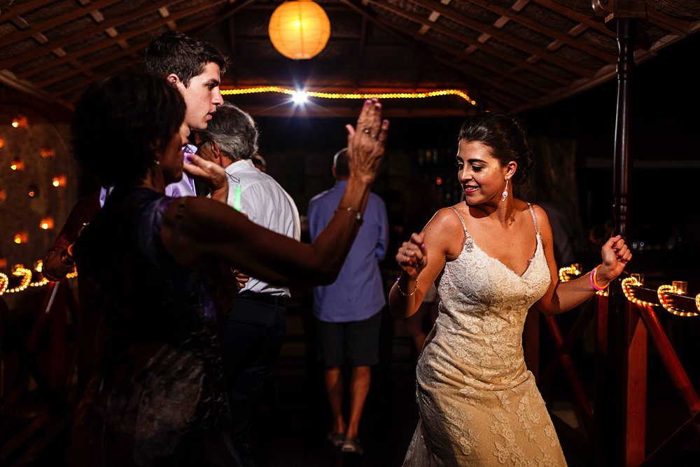 party-wedding-bride-dancing-guests.jpg