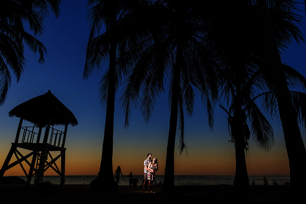 Sunset portrait for married couple at Playa Los Muertos in Sayulita