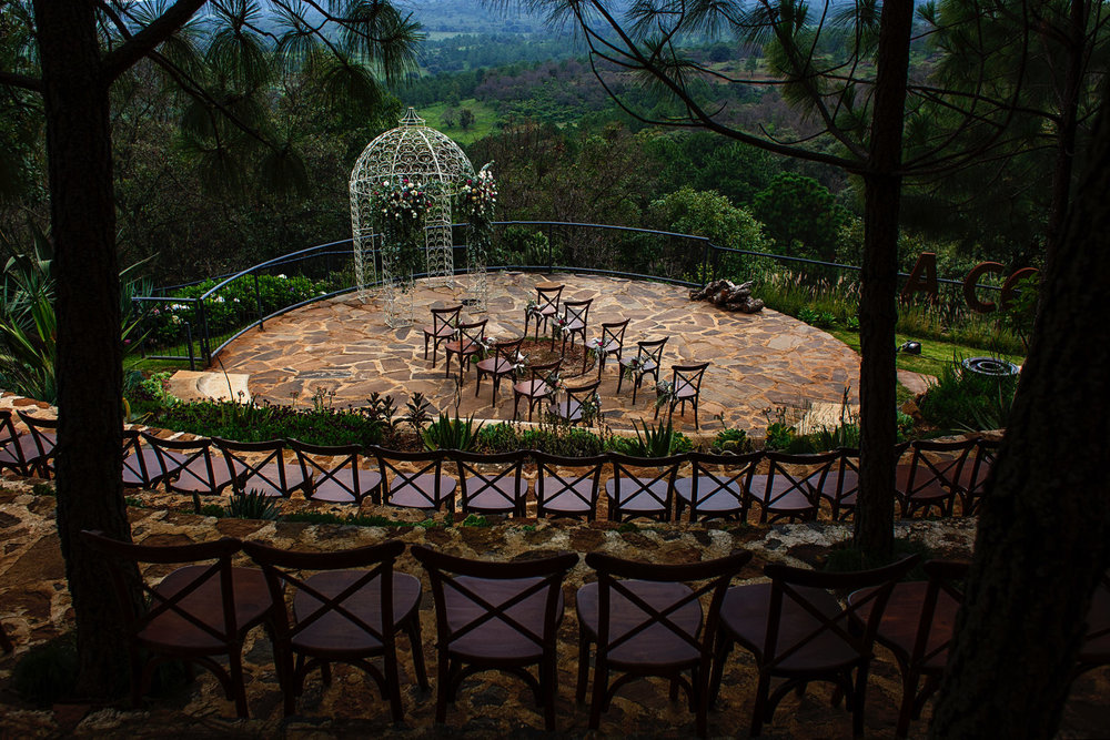 Wedding ceremony setup with an amazing view of the Atemajac's valley.