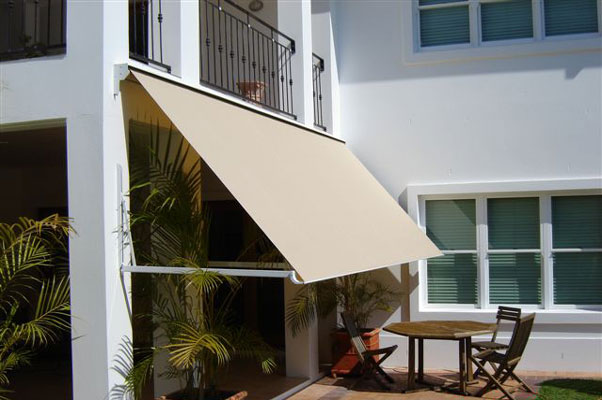 Retractable-Window-Awning_Unicom.jpg