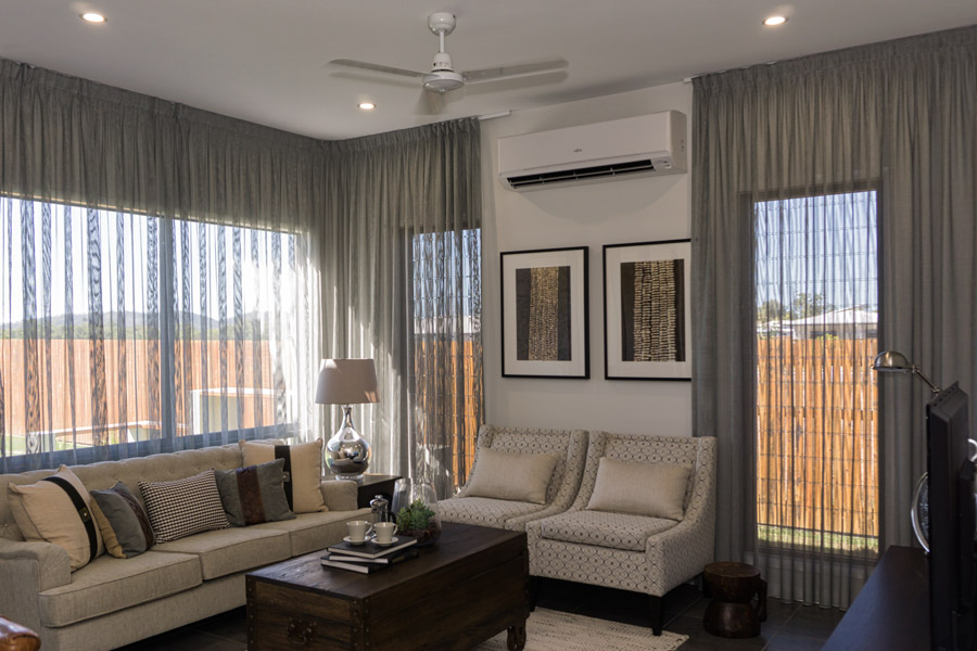 DSC00402-fairmont-lounge-900.jpg