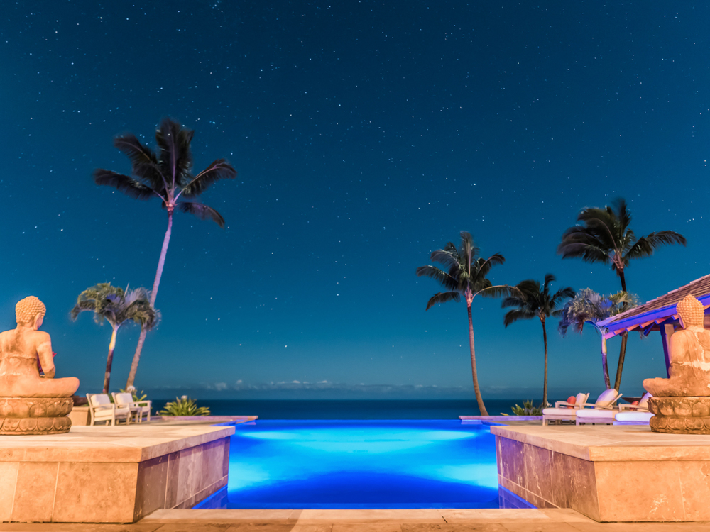 house ext night pool stars timelapse 1_1.jpg