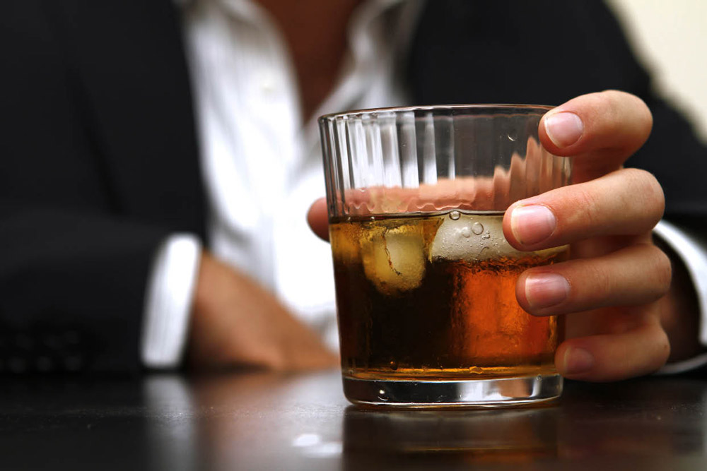 GENTLEMAN'S GUIDE TO LIQUOR