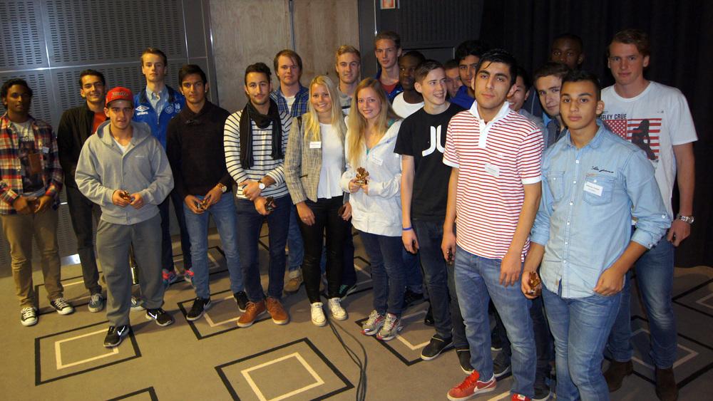 KM-DOMMERNE: Finalene i kretsmesterskapene ble ledet av denne gjengen.