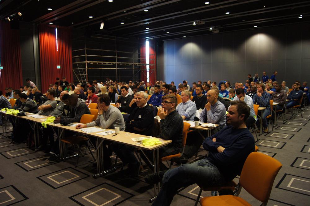 MANGE PÅ KURS: Over 150 oslodommere deltok på årets høstkurs.