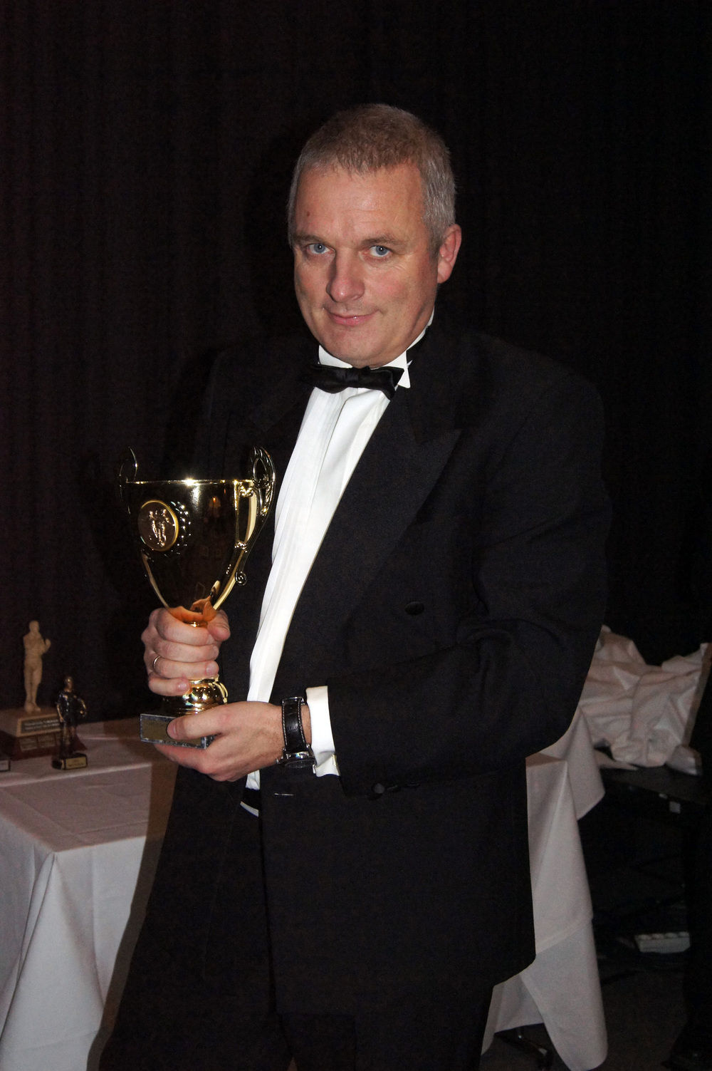 ÆRESPRIS: Kåre Seierstads ærespris gikk til Steinar Myhr for innsatsen forå utvikle dommere.