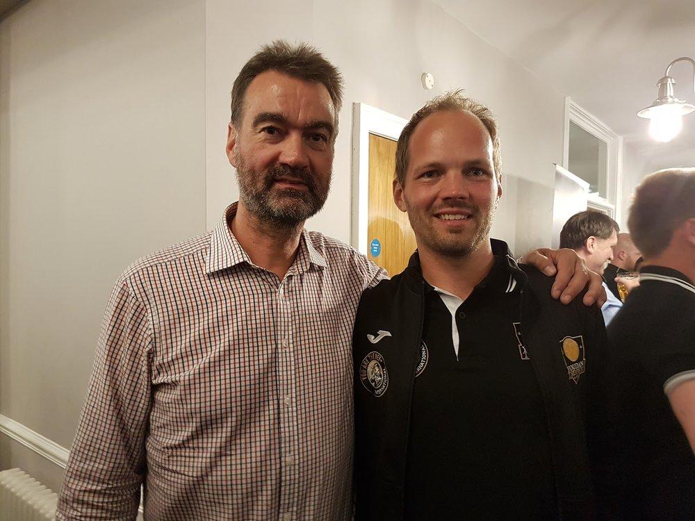 Morten og den tidligere FIFA-dommeren Kim Milton Nielsen fra Danmark.