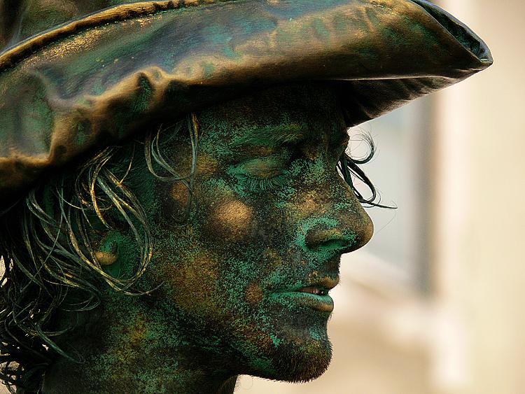 Estatua rosto.jpg