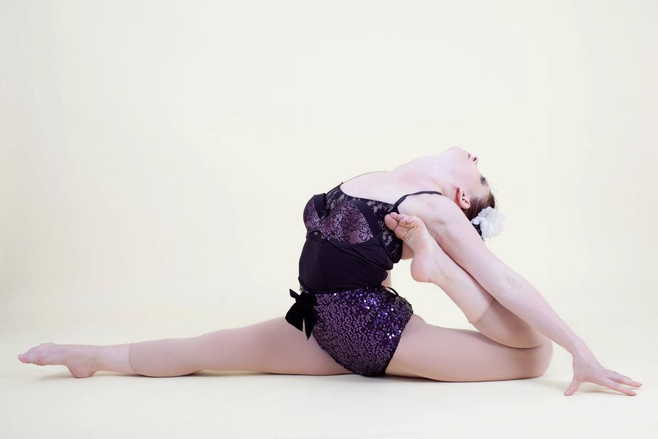contortion split low res.jpg