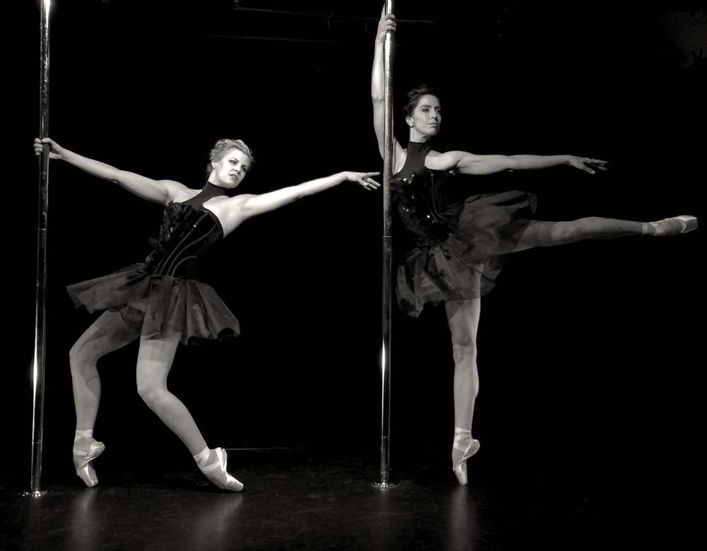 Lea und Evelyn: Pole On Stage