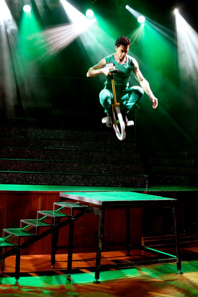 andre_unicycle_act.jpg