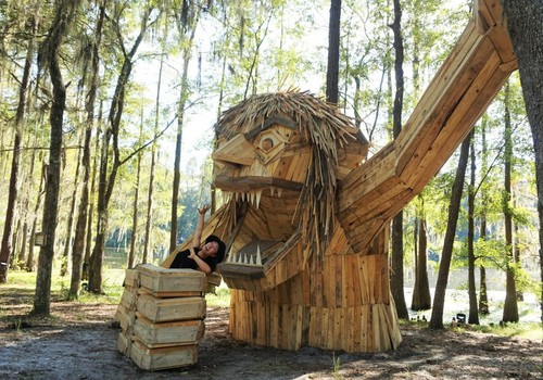 Thomas-Dambo-Sculpture.jpg
