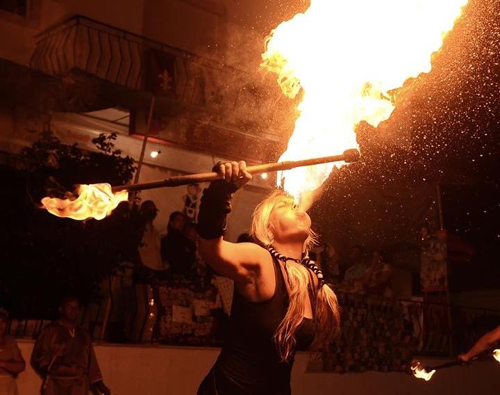 Dragon Fire: Cuspidores de Fogo