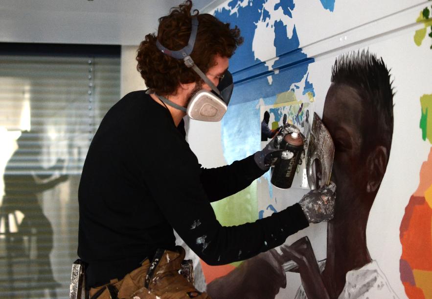 Innerfields malt ein Büro in Berlin an