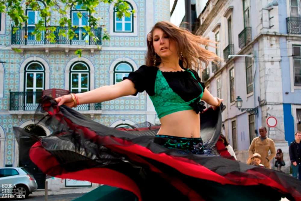 Sabina spreading her beauty and charm in the streets of Lisbon