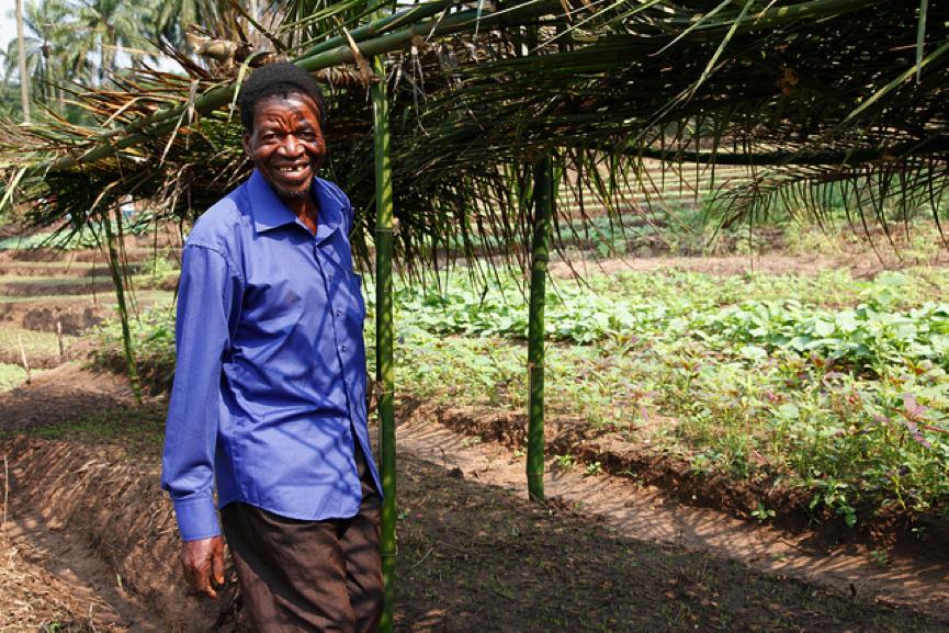 Farmer in Congo c.Russell Watkins/DFID