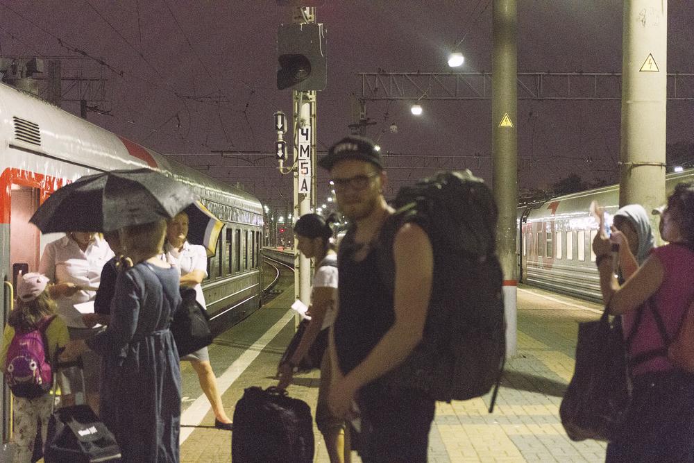 Kristoffer på tur på toget