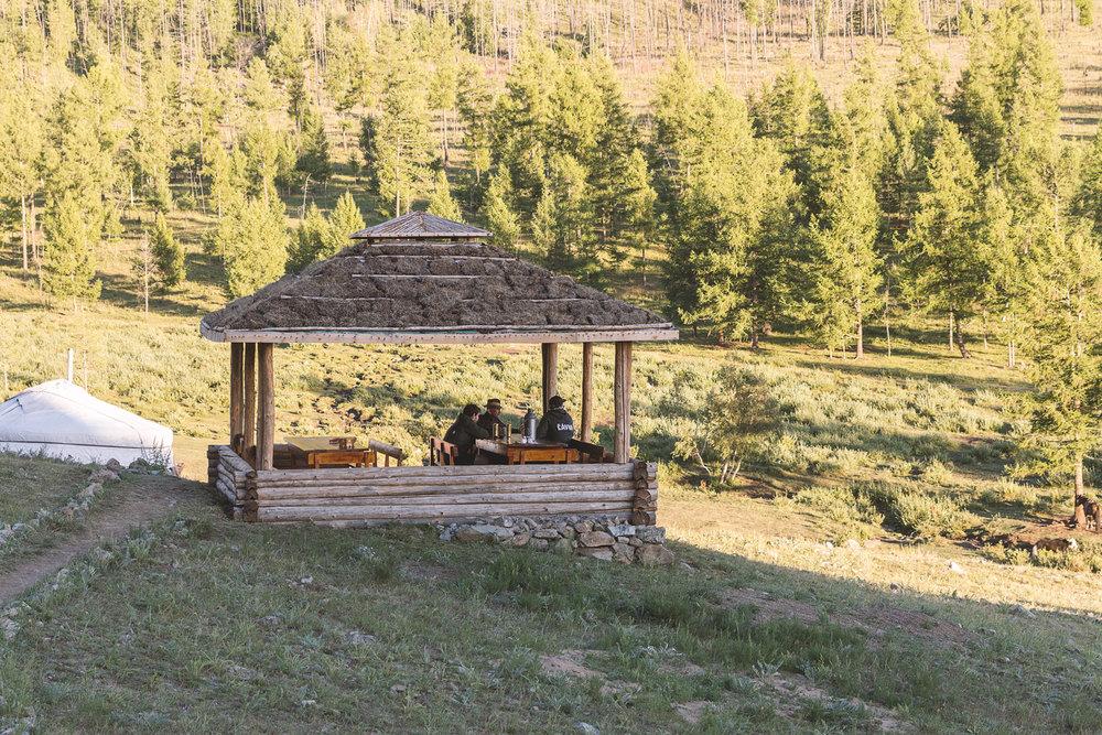 Paviljongen på campen hvor alle måltider blir spist