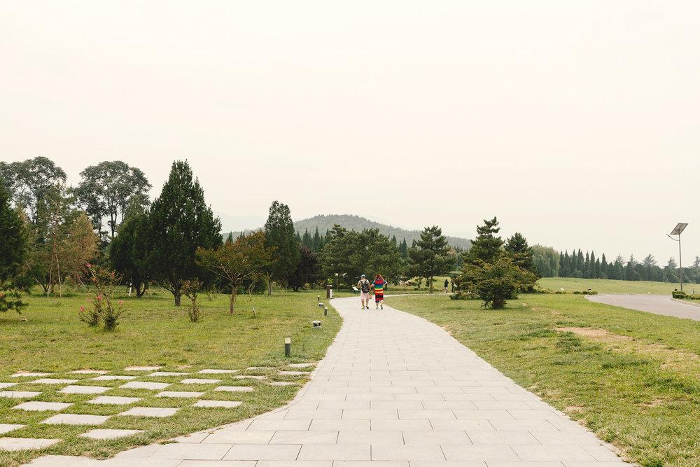 "Fjellet i bakgrunnen er graven til Kinas første ""emperor"" Qin Shi Huang"