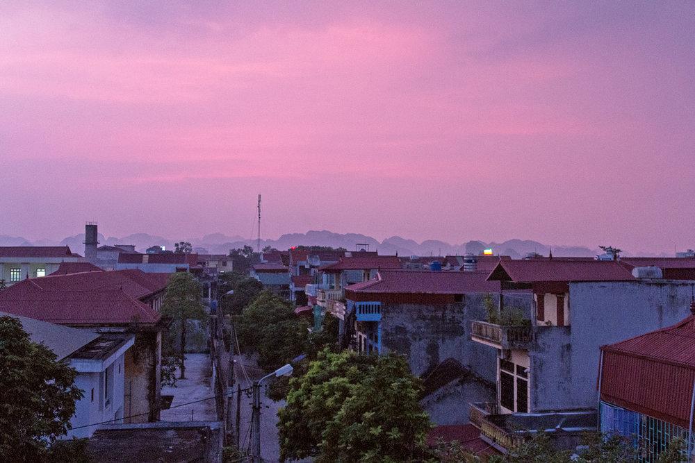 Utsikten fra rommet vårt i Ninh Binh.
