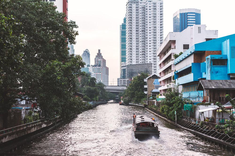 Elvebåt i Bangkok