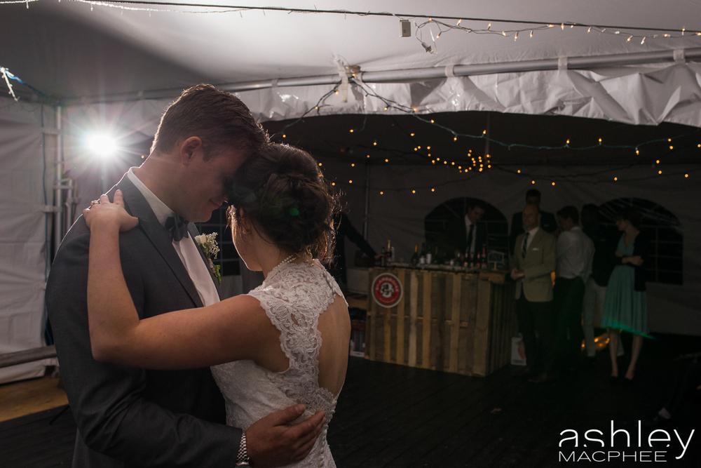 Ashley MacPhee Photography Mont Tremblant Wedding Photographer (69 of 92).jpg