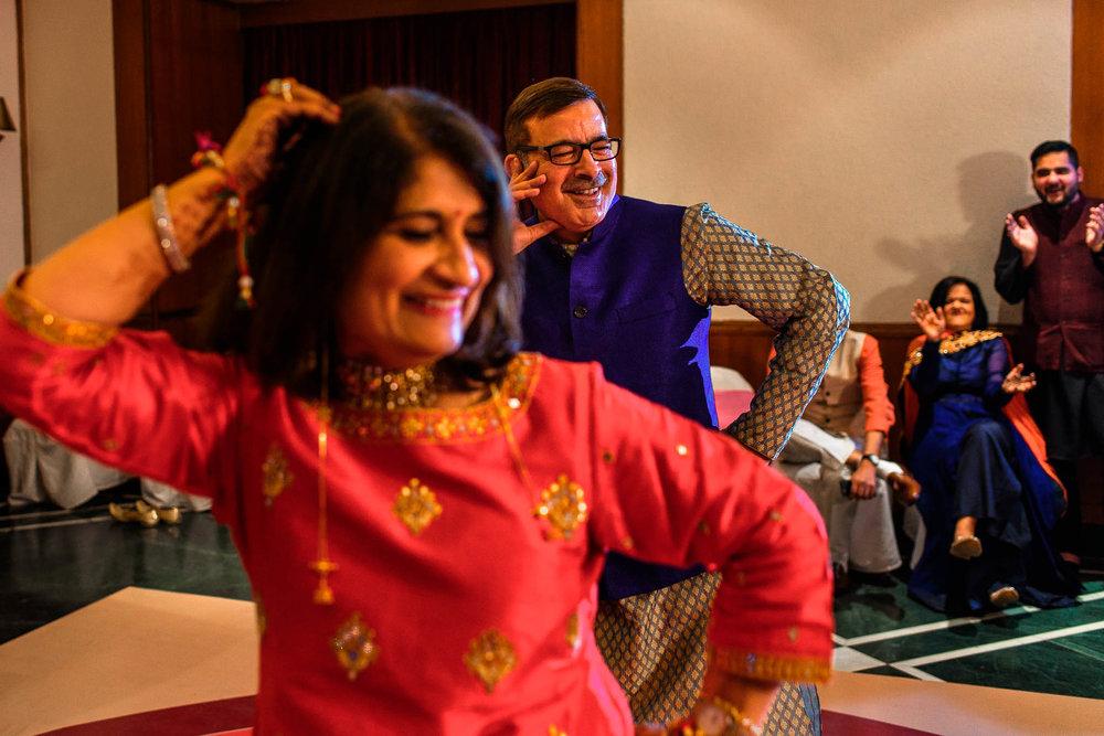 Mhendi Raat Indian Wedding Photographer (14 of 28).jpg