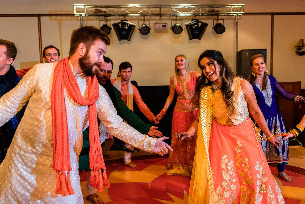 Mhendi Raat Indian Wedding Photographer (16 of 28).jpg