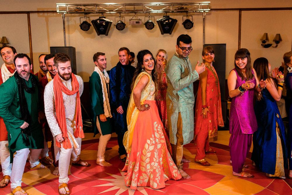 Mhendi Raat Indian Wedding Photographer (23 of 28).jpg