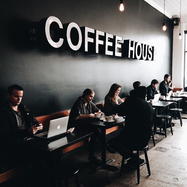 Urban Bean Coffee - @hannavoxland.jpg