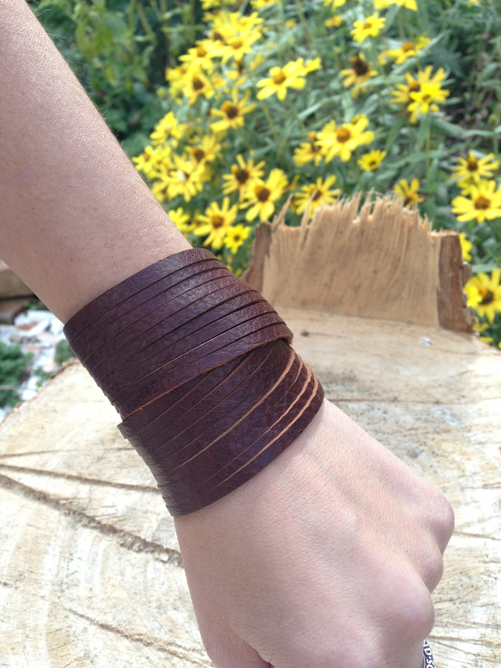 Double wrap     dark brown