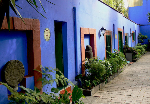 "The internal walls and patio of ""La Casa Azul"""