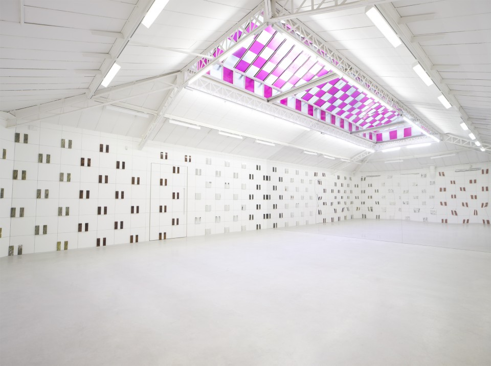 Daniel Buren's latest show at Kamel Menour