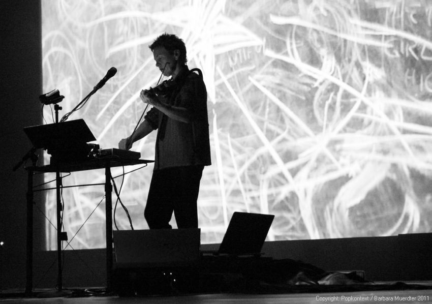 laurie-anderson-delusion-berlin-24.jpg