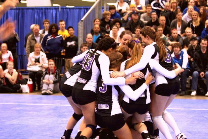 Defensa Volleyball (Burlington, Ont) won their first 18U National Championship in 2011 with players like OUA Rookie of the Year, Chelsea Briscoe, and Women's National team member, Michaela Reesor.